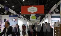 越南出席法国巴黎国际服装采购展
