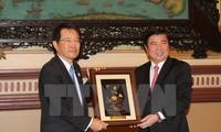 胡志明市与日本大阪推动贸易与投资合作