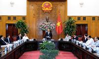 越南政府党组干事委员会认真落实12届4中全会决议和政治局的5号指示