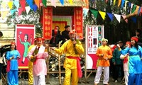 Bai Choi-Gesang in Hanoi