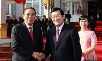 Staatspräsident Truong Tan Sang beendet Laosbesuch