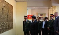 Staatspräsident Sang besucht das vietnamesisch-russische Tropenzentrum