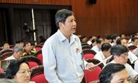Abgeordneten diskutieren Hochschulbildungsgesetz und  Gewerkschaftsgesetz