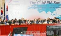 Premierminister Nguyen Tan Dung beim ASEM-Gipfel in Laos