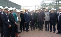 Vize-Premier Hoang Trung Hai besucht den Betrieb Ammoniumnitrat