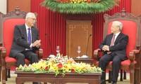 KPV-Generalsekretär Nguyen Phu Trong empfängt den ehemaligen Ministerpräsident Singapurs