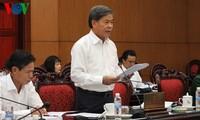 Minister für Bodenschätze und Umwelt beantwortet Fragen der Abgeordneten