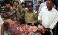Indien und Pakistan beschuldigen sich gegenseitig der Verletzung der Wafferuhe