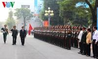 Staatspräsident Truong Tan Sang besucht Kommandostab der Hauptstadt Hanoi