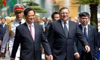 Premierminister Nguyen Tan Dung beginnt Dienstreise in Europa