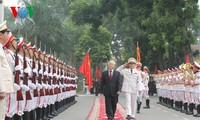 KPV-Generalsekretär Nguyen Phu Trong nimmt am Schuljahresbeginn der Sicherheitsakademie