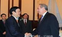 Staatspräsident Truong Tan Sang trifft US-Handelsvertreter in Hanoi