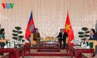 Vize-Premierminister Nguyen Xuan Phuc empfängt kambodschanische Amtskollegin