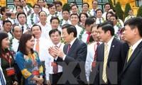 Staatspräsident Truong Tan Sang trifft herausragende Arbeiter der Erdölbranche