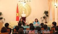 Vize-Parlamentspräsidentin Tong Thi Phong besucht vietnamesische Botschaft in Deutschland