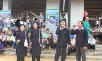 Die Volkslieder der San Chi-Minderheit