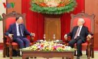 Gespräche zwischen den Spitzenpolitikern Vietnams und dem Premierminister Neuseelands