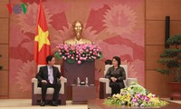 Parlamentspräsidentin Nguyen Thi Kim Ngan trifft Botschafter Chinas und Australiens