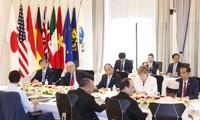 Premierminister Nguyen Xuan Phuc hält Rede beim erweiterten G7-Gipfel