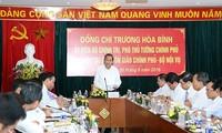 Arbeitstreffen zwischen Vize-Premierminister Truong Hoa Binh und Religionskommission
