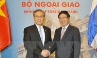 Vize-Premierminister, Außenminister Pham Binh Minh führt Gespräch mit dem Außenminister Thailands