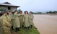 Vizepremierminister Trinh Dinh Dung leitet die Aufräumarbeiten nach der Überschwemmung in Yen Bai