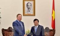Vizepremierminister Trinh Dinh Dung trifft Generaldirektor des russischen Erdölkonzerns Zarubezhneft