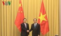 Staatspräsident Tran Dai Quang empfängt Vorsitzenden des chinesischen Volkskongresses
