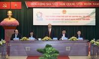 Premierminister Nguyen Xuan Phuc trifft hervorragende Akademiker mit vietnamesischer Abstammung