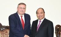 Premierminister Nguyen Xuan Phuc empfängt den ungarischen Botschafter in Vietnam, Öry Csaba