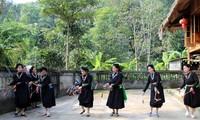 Die Farben der Volksgruppe der Tay in Ha Giang