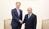 Premierminister Nguyen Xuan Phuc empfängt den geschäftsführenden Direktor des Weltwirtschaftsforums
