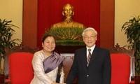 Tổng Bí thư Nguyễn Phú Trọng tiếp Chủ tịch Hội Liên hiệp Phụ nữ Lào