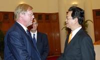 Thủ tướng Chính phủ Nguyễn Tấn Dũng tiếp Thị trưởng Khu Tài chính London