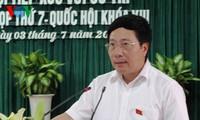 Phó Thủ tướng Phạm Bình Minh tiếp xúc cử tri tại Quảng Ninh