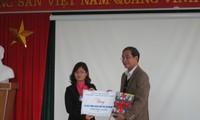 """Chương trình """"Một triệu cuốn sách tặng trẻ em nghèo"""" đến Bắc Giang"""