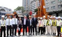 Chủ tịch UBND Thành phố Hồ Chí Minh tiếp Bộ trưởng Ngoại giao Anh