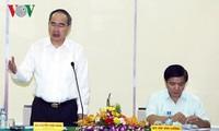Ông Nguyễn Thiện Nhân làm việc với Tổng liên đoàn Lao động Việt Nam