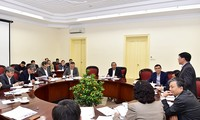 Chính phủ họp về cải cách hành chính, tháo gỡ khó khăn cho doanh nghiệp