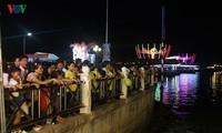 Hơn 50 vạn du khách tham dự  Ngày hội Du lịch - Đêm Hoa đăng Ninh Kiều