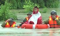 Tiếp tục khắc phục hậu quả mưa lũ, tập trung tìm kiếm, cứu chữa và hỗ trợ các nạn nhân