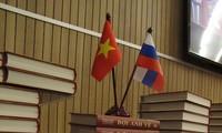 Tuyển thơ Nga Đợi anh về - nhịp cầu kết nối tâm hồn Nga - Việt