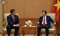 Phó Thủ tướng Trịnh Đình Dũng tiếp chủ tịch tập đoàn Mitsui Nhật Bản