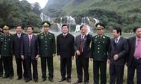 Staatspräsident berät über die sozial-wirtschaftliche Entwicklung in Cao Bang