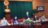 Parlamentspräsident Nguyen Sinh Hung empfängt vietnamesische Botschafter