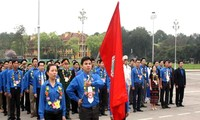 Jugendverband besucht Ho Chi Minh-Mausoleum