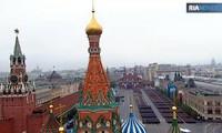 Russland feiert den Sieg gegen Nationalsozialisten