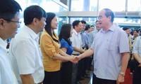 Der Vorsitzende der Vaterländischen Front Nguyen Thien Nhan besucht Quang Ninh