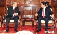 Staatspräsident Truong Tan Sang empfängt sieben Botschafter