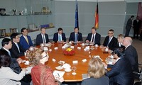 Premierminister Nguyen Tan Dung trifft den deutschen Bundestagspräsidenten